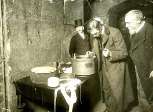 Photographie officielle de la cérémonie d'enfouissement de 1907 (c) BNF