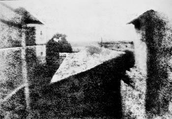 La première photo au monde (1826) : vue de la maison de Niépce