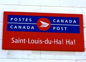 Panneau de la poste canadienne à Saint-Louis-du-Ha! Ha!