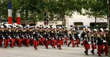 Défilé de Saint-Cyriens en 2007 sur les Champs-Élysées