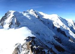 De quelle nationalité est le mont Blanc ?