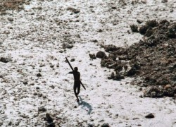 Les Sentinelles : vidéo de la tribu la plus isolée au monde